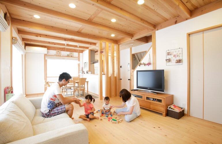 子供の五感を育てる木の家