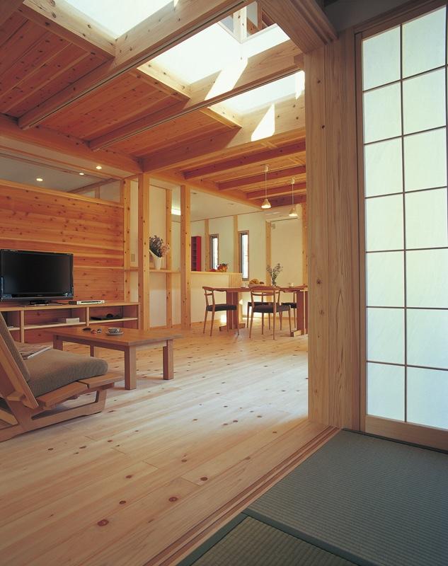 「紙と木」でできた日本の家